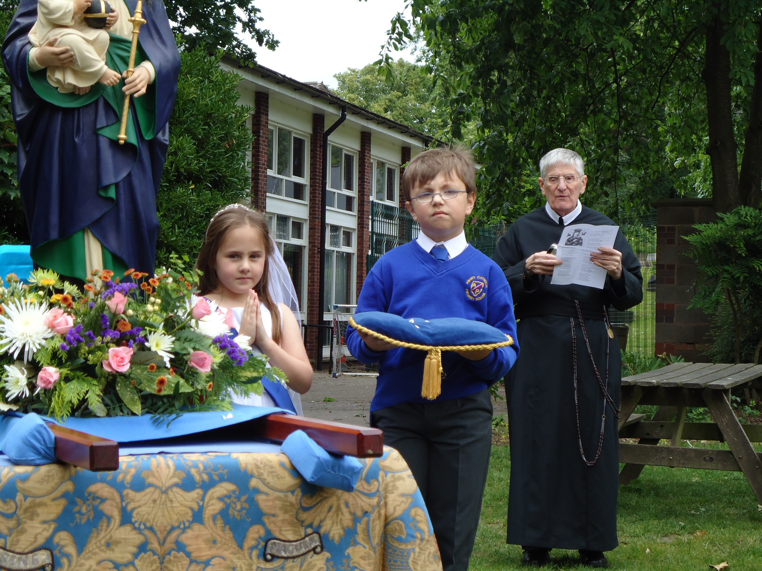 may procession 11 069